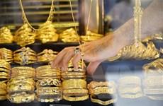 Đồng USD sụt giảm, giá vàng châu Á đi lên phiên chiều 31/8