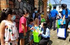 TP.HCM: Nhiều phần quà Trung thu đến với trẻ em khó khăn