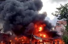 Cháy lớn tại một cơ sở thu mua phế liệu ở Quảng Ngãi
