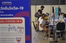 Dịch COVID-19: Thái Lan bắt đầu chiến dịch tiêm chủng đại trà