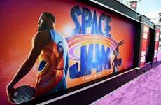 """""""Space Jam"""" tái xuất, soán ngôi đầu Bắc Mỹ của """"Góa phụ đen"""""""
