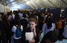 Số người xin hưởng trợ cấp thất nghiệp ở Mỹ tiếp tục giảm mạnh