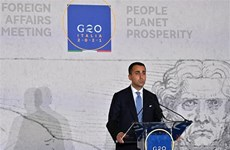 Italy dời đại sứ quán tại Afghanistan, Qatar triển khai cứu trợ