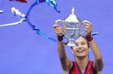 Emma Raducanu lập kỳ tích, xô đổ nhiều kỷ lục tại US Open