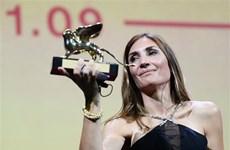 Nữ đạo diễn người Pháp giành tượng Sư tử Vàng tại LHP Venice