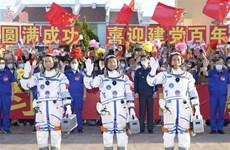 Các phi hành gia Trung Quốc trở về an toàn sau 3 tháng trên quỹ đạo