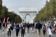 Pháp: Khải Hoàn Môn ở thủ đô Paris lộng lẫy trong tấm áo mới