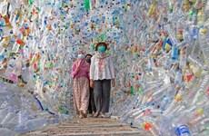 Indonesia lập bảo tàng bằng rác thải nhựa phía Đông đảo Java