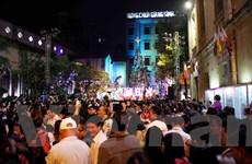[Photo] Hàng nghìn người dự Thánh lễ nửa đêm tại nhà thờ Hàm Long