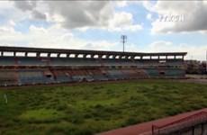 [Video] Xót xa khi chứng kiến mặt sân vận động Ninh Bình