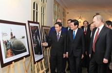 Nguyên thủ Việt Nam, Nga dự triển lãm ảnh quan hệ hai nước