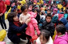 Mang Tết sớm đến với trẻ em nghèo ở Cao nguyên đá