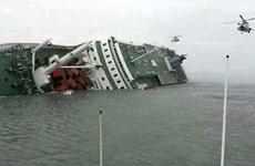 Chìm phà ở Hàn Quốc: 3 người chết, còn 292 người mất tích