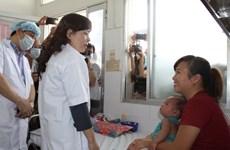 Bộ trưởng Y tế kiểm tra phòng chống sởi tại TP.HCM