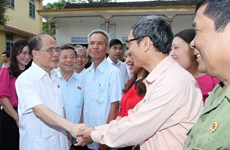 Chủ tịch Quốc hội Nguyễn Sinh Hùng tiếp xúc cử tri Hà Tĩnh