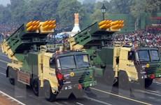 """Ấn Độ thử nghiệm thành công hệ thống tên lửa """"Pinaka"""""""
