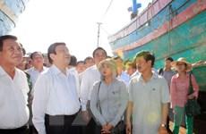 Chủ tịch nước động viên chủ tàu cá, kiểm ngư trở về từ Hoàng Sa