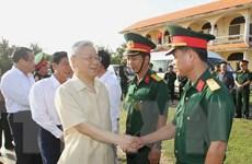 Tổng Bí thư Nguyễn Phú Trọng làm việc tại huyện đảo Phú Quý