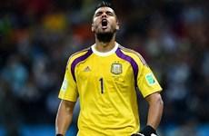 Thư Brazil: Có một thủ môn kỳ lạ, một trung vệ vĩ đại