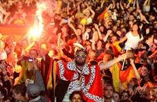 Người Đức ngập trong men say ăn mừng ngôi vô địch World Cup