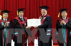 Đại học Kinh tế Quốc dân tặng Chủ tịch EC bằng tiến sỹ danh dự