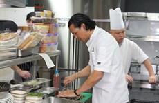 Đầu bếp Bobby Chinn giới thiệu ẩm thực Việt Nam tại Singapore