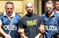 Italy bắt giữ nhiều quan chức tình nghi tiếp tay cho mafia