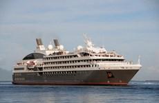 Siêu tàu du lịch biển 5 sao của Pháp cập cảng Hải Phòng