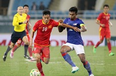 Chơi hơn người, tuyển Việt Nam lội ngược dòng đánh bại Malaysia