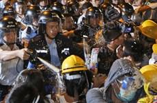 Hong Kong: Người biểu tình đòi dùng bạo lực trả đũa cảnh sát