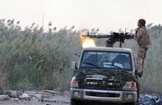 Quân đội Libya tiếp tục không kích phiến quân, gây thương vong