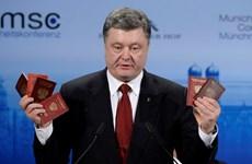 """Ông Poroshenko công bố """"bằng chứng"""" tố Nga tham chiến ở Đông Ukraine"""