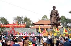 Hàng ngàn người đổ về Hà Nội tưng bừng dự hội gò Đống Đa 2015