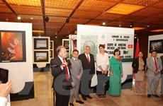 Nghị sỹ hữu nghị Mexico-Việt Nam kỷ niệm ngày 30/4 ở Mexico