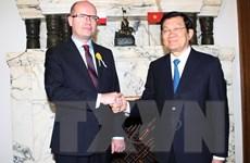 Chủ tịch nước Trương Tấn Sang hội kiến với Thủ tướng CH Séc
