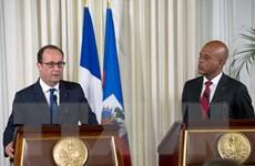 Tổng thống Pháp Hollande cam kết hỗ trợ Haiti phát triển kinh tế