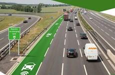 Anh thử nghiệm tuyến đường cao tốc có thể sạc được ôtô điện