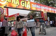 Ngày Vàng khuyến mại thu hút hàng trăm nghìn người đến siêu thị