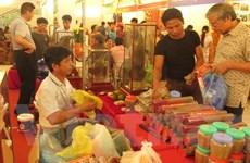 Sôi động Hội chợ thương mại-du lịch quốc tế Việt-Trung 2015