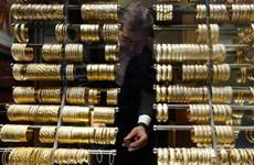 Đồng USD giảm giá, giá vàng châu Á vấn tiếp tục đà phục hồi