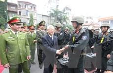 Tổng Bí thư giao nhiệm vụ bảo vệ đại hội Đảng cho cảnh sát cơ động