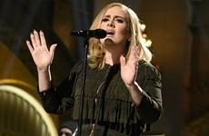"Album ""25"" của ca sỹ Adele tiếp tục thống trị Billboard 200"