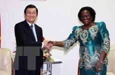 Chủ tịch nước Trương Tấn Sang gặp Chủ tịch Quốc hội Mozambique