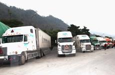 Hàng trăm xe container ùn tắc tại Cửa khẩu Quốc tế Thanh Thủy