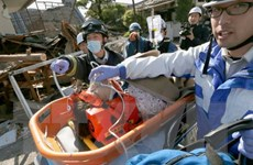 """Động đất tại Nhật Bản: Lực lượng cứu hộ """"chạy đua với thời gian"""""""