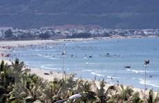 Lãnh đạo Đà Nẵng đi tắm biển để khẳng định biển an toàn