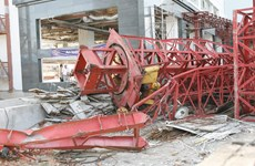 Cần cẩu công trình bất ngờ đổ sập xuống trường mầm non