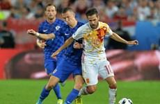 """Bất ngờ """"gục ngã"""" trước Croatia, Tây Ban Nha sẽ phải gặp Italy"""