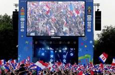 """Thành phố Lille, """"nàng tiểu thư Pháp"""" bị quấy rầy… vì EURO 2016"""