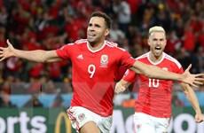 """EURO 2016: Hal Robson-Kanu -Người hùng Xứ Wales """"đắt hàng"""""""